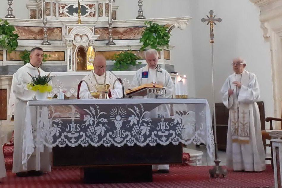 Serdiana: don Locci festeggia 60 anni di sacerdozio