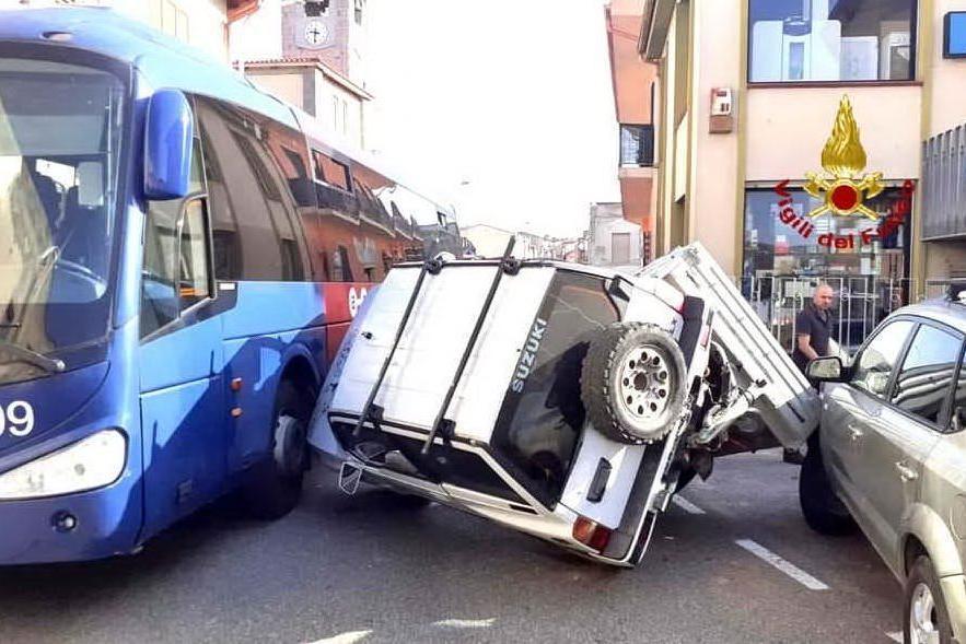 Incidente sulla 387, chiuso un tratto di strada a Sant'Andrea Frius