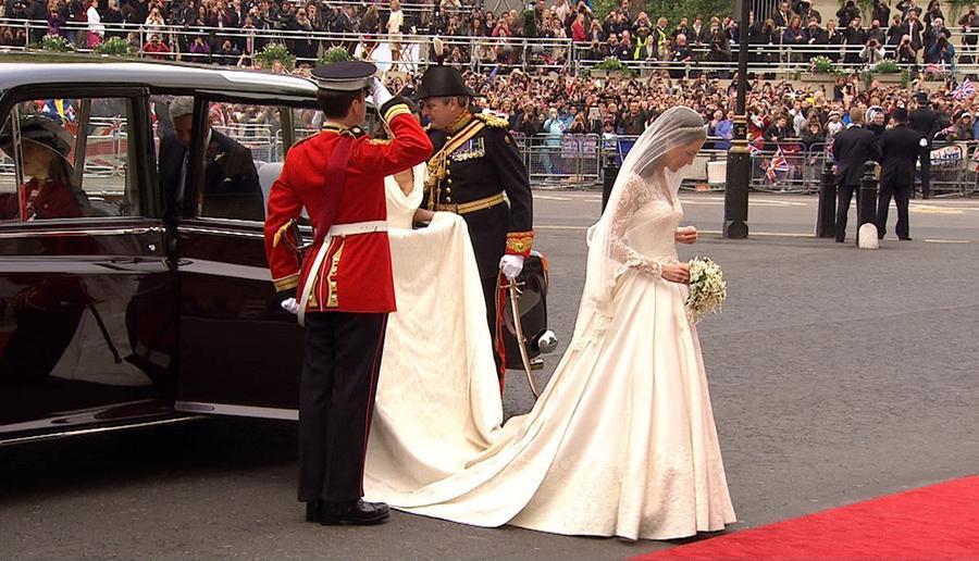 Kate Middleton arriva all'abbazia di\u00A0Westminster (foto\u00A0Photo/APTN)