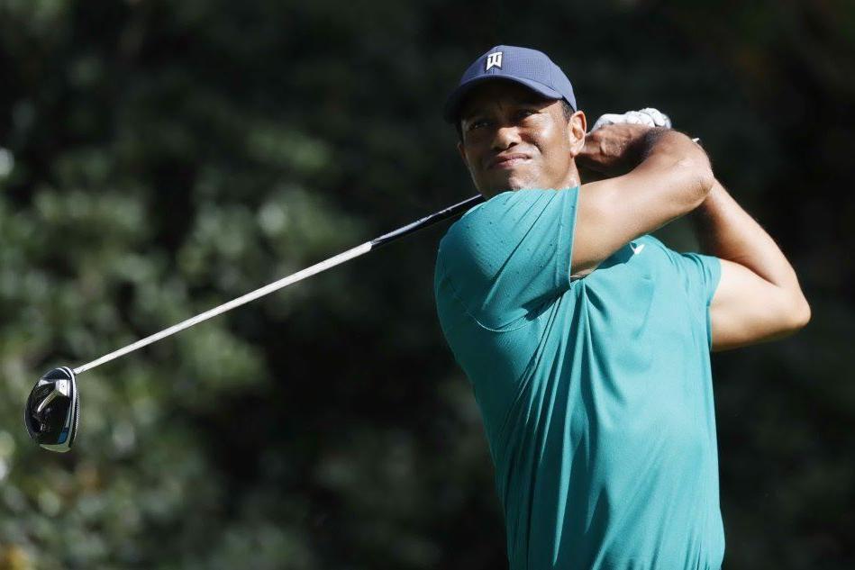 Los Angeles, brutto incidente per Tiger Woods