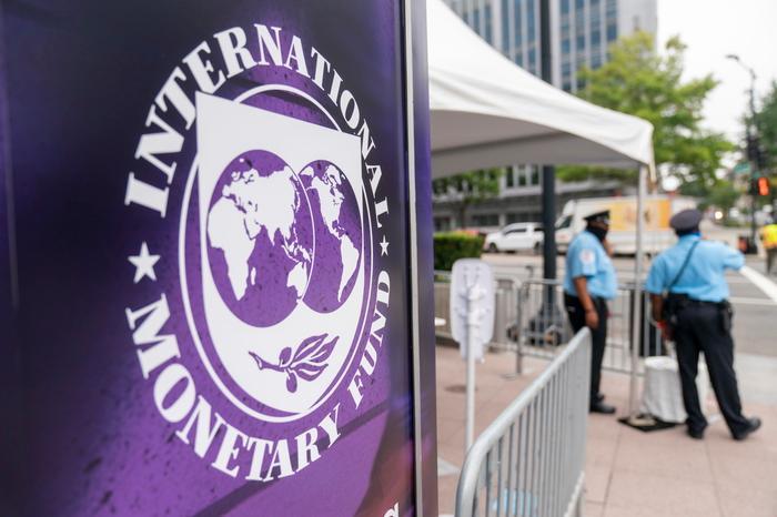 """Il Fondo monetario internazionale promuove l'Italia: """"Ripresa forte"""""""