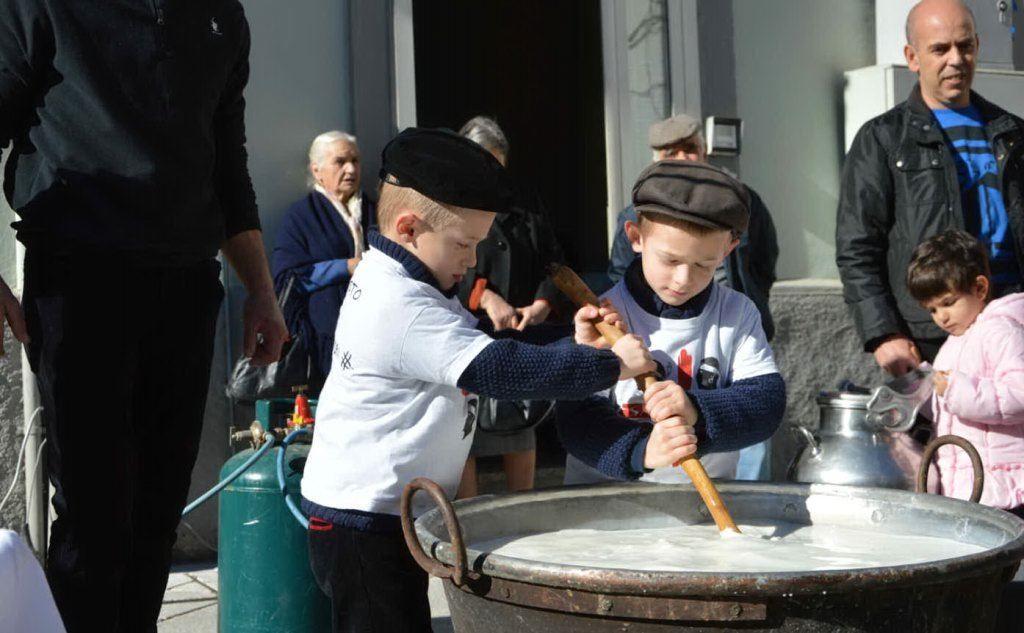 Due bimbi a Lanusei (L'Unione Sarda - Pillonca)