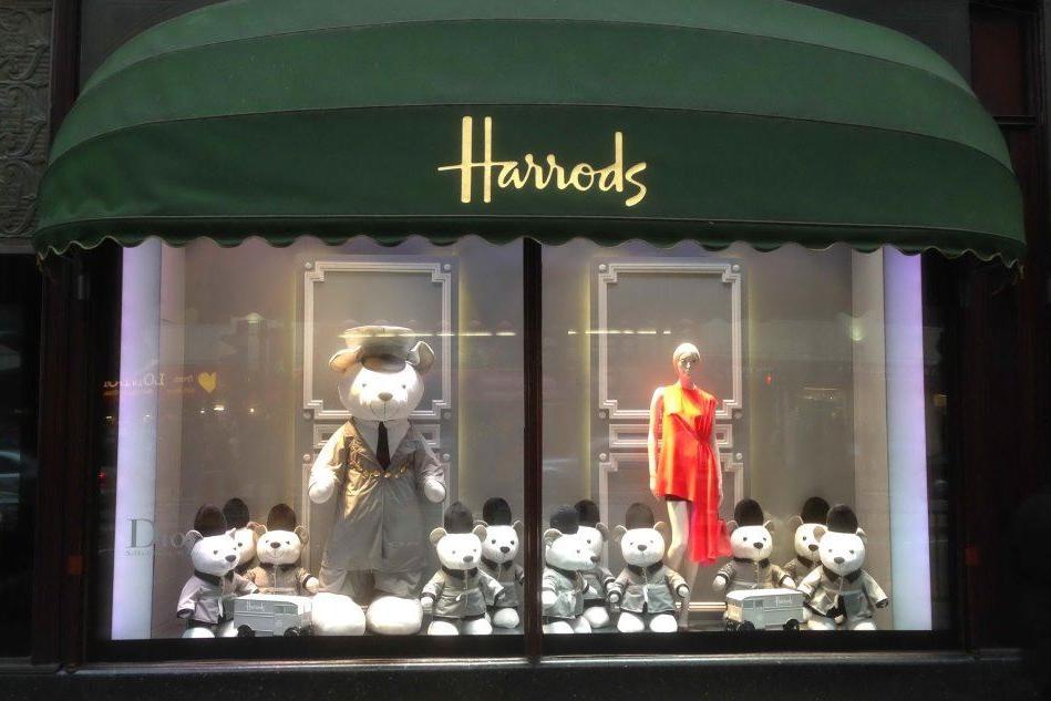 Una delle vetrine di Harrods