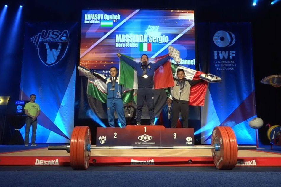 Mondiali di pesi, Sergio Massidda conquista l'oro di strappo