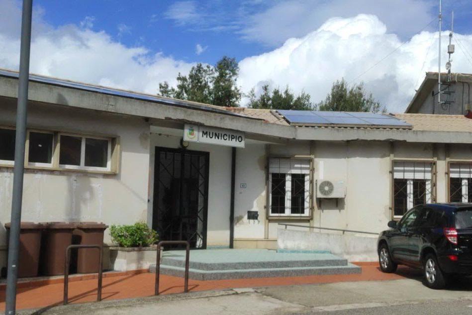 Il municipio di Neoneli (foto Orbana)