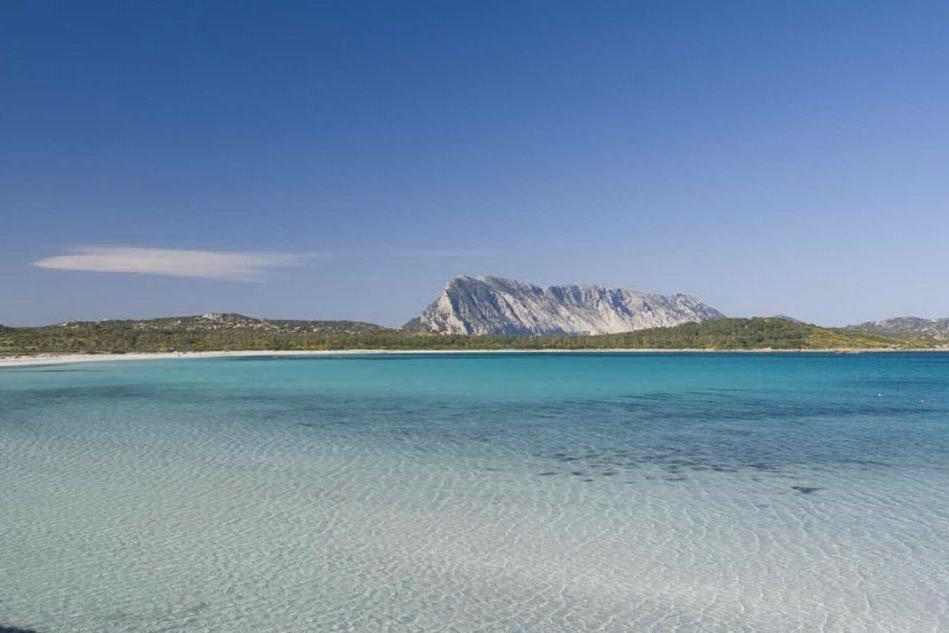 San Teodoro, spiagge chiuse dopo le 22: stretta sulla movida