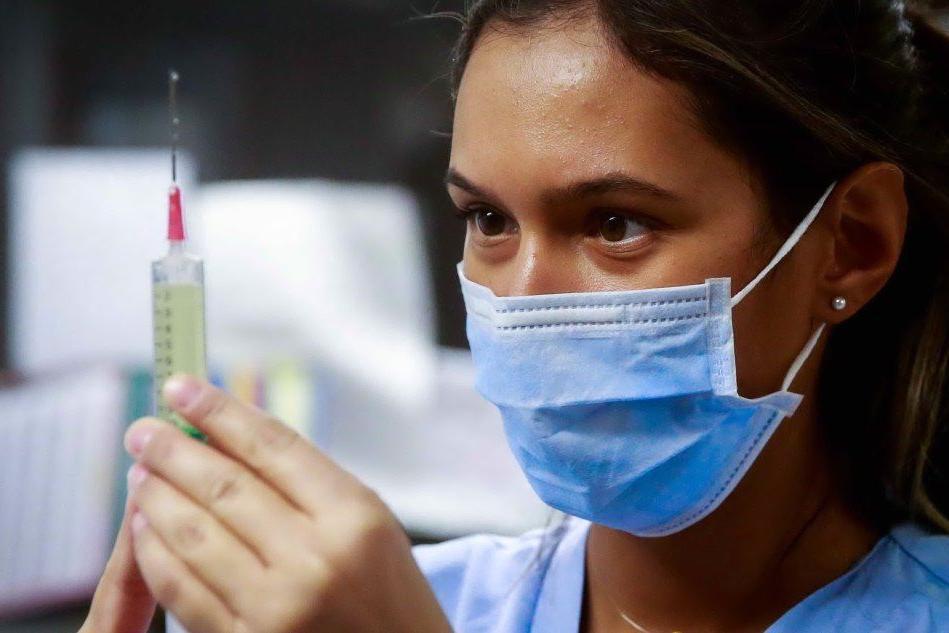 Vaccino anti-influenza a Cagliari, in arrivo altre 30mila dosi