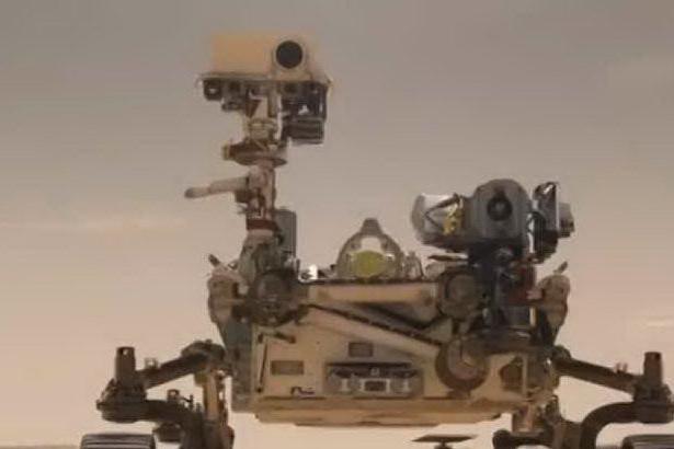 Marte, l'elicottero Ingenuity si prepara al primo volo