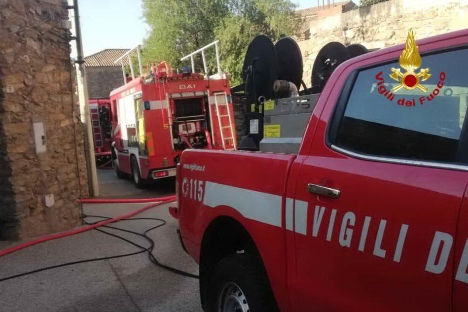 Incendio ad Armungia, sul posto i Vigili del fuoco