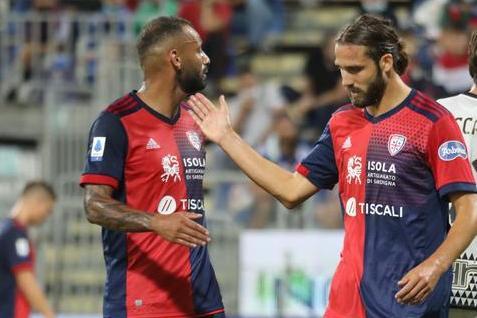 Cagliari in campo contro la Roma. Mazzarri lancia Pavoletti –LIVE