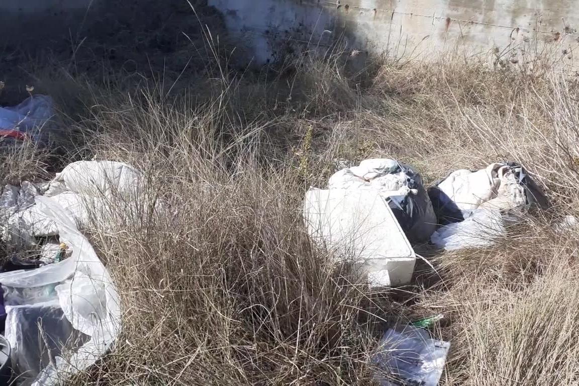 Sempre più pericolosa la discarica abusiva tra Porto Torres e Platamona