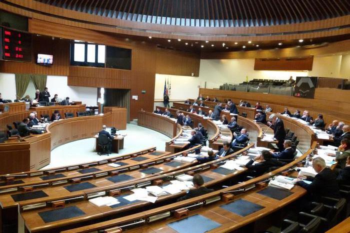 L'aula del Consiglio regionale (foto Ansa)