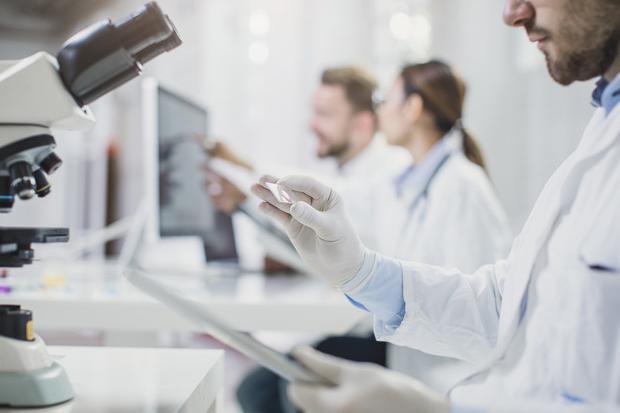 """Tumori, l'allarme degli oncologi: """"Unmilione di diagnosi mancate in Europa da inizio pandemia"""""""