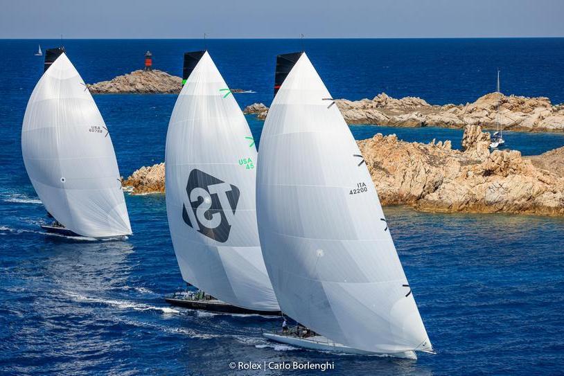 Porto Cervo, entusiasmo ed emozioni per la prima giornata della Rolex Cup
