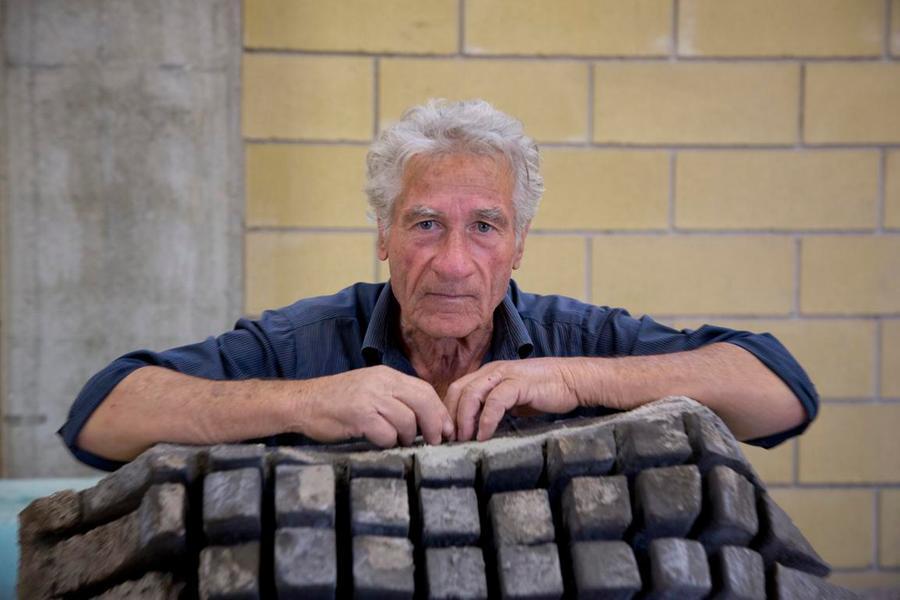 A Praga le pietre sonore dello scultore Pinuccio Sciola