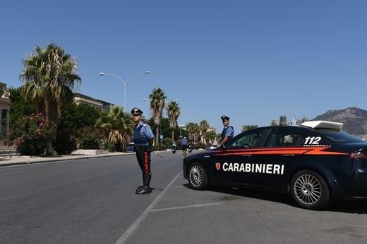 Carabinieri a Palermo (Ansa)