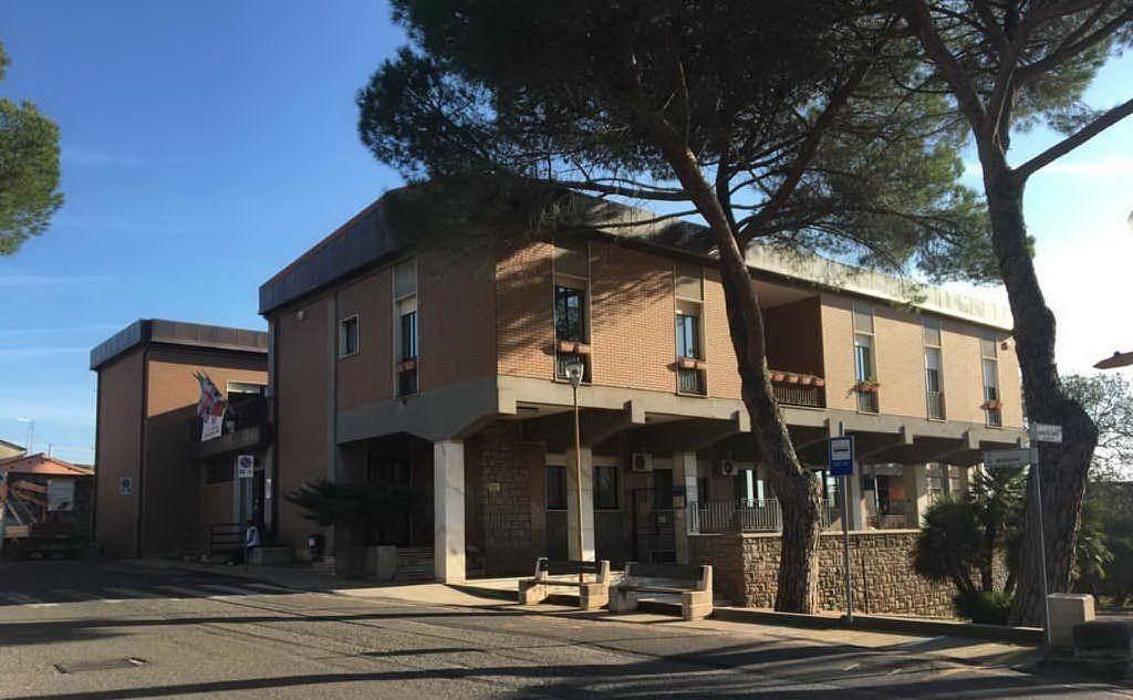 Il municipio di Ghilarza (foto Orbana)