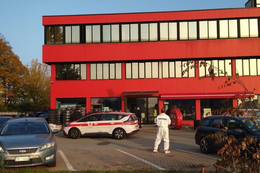 Uomo ucciso a colpi di pistola: indagano i carabinieri