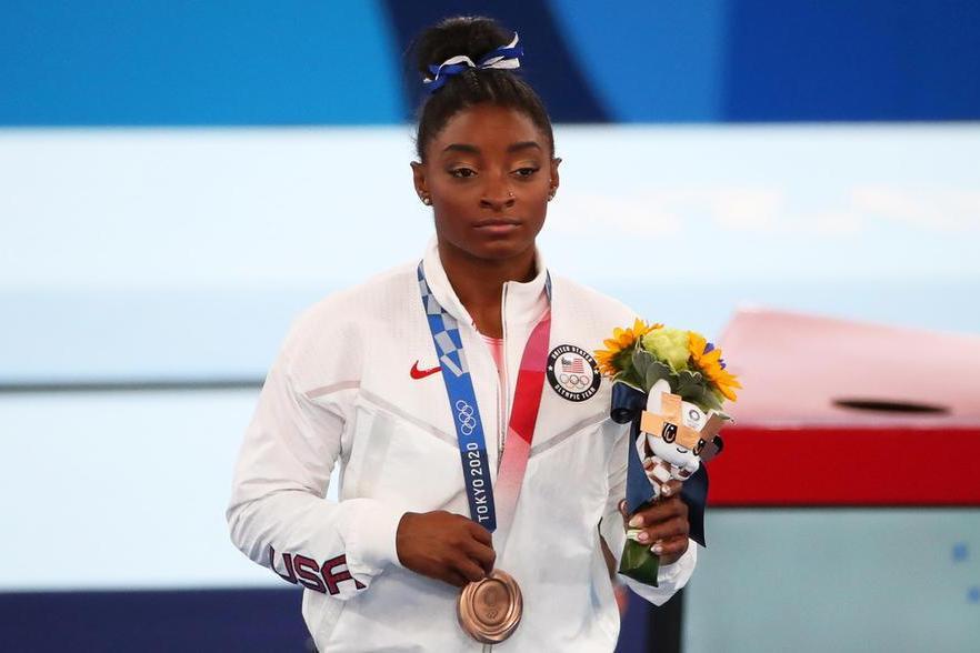 """Simone Biles,bronzo alla trave: """"Non siamo solo spettacolo"""""""