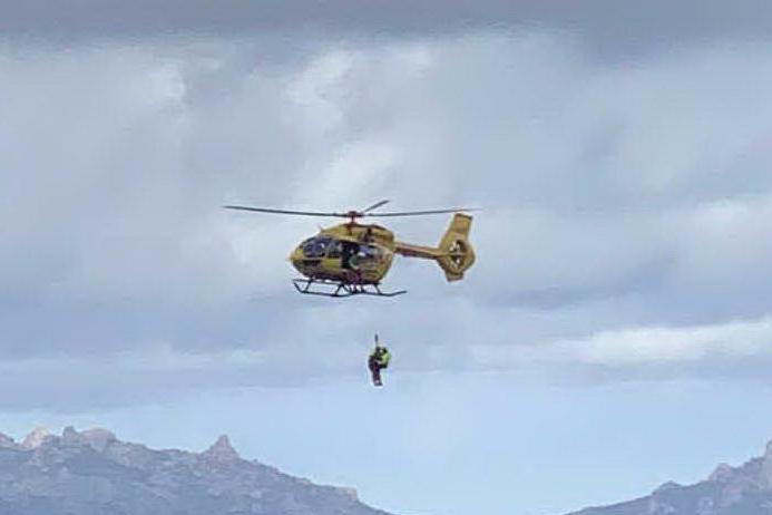 Infarto in corso, ma niente ambulanze: a Tempio interviene l'elicottero