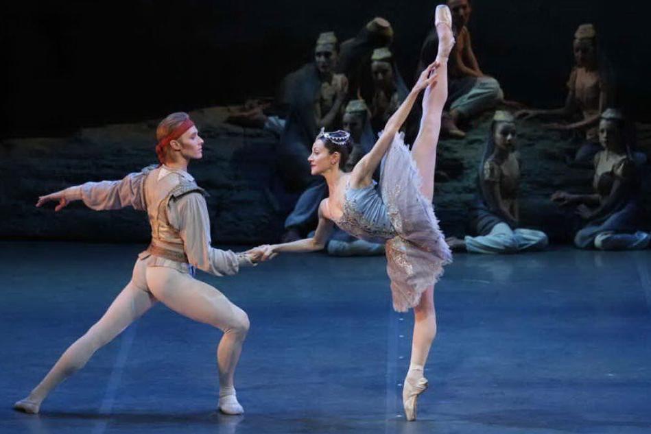 Nicoletta Manni e Timofej Andrijashenko (foto Teatro Lirico)