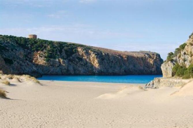 Cala Domestica, tra le spiagge più belle dell'Isola