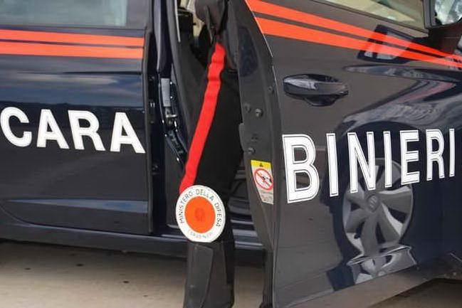 Maxi-assembramento a Villacidro: arrivano i carabinieri, decine di ragazzi in fuga