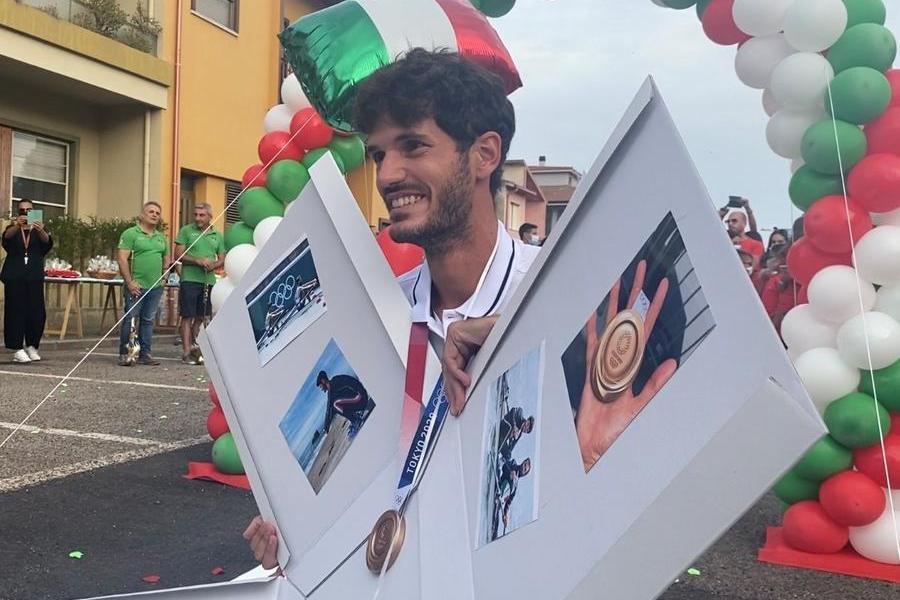 Bentornato campione: grande festa per l'olimpionico Stefano Oppo