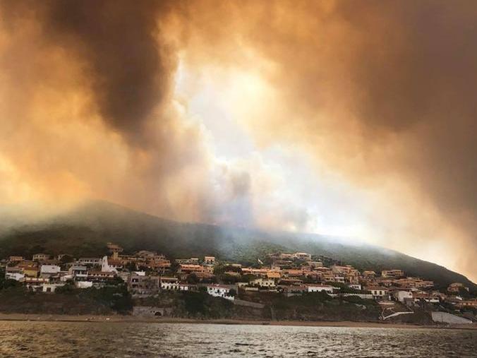 Incendi in Sardegna: non si parli di autocombustione