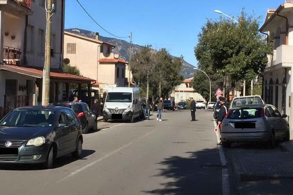 Rapina al furgone dei MonopoliA Oliena è caccia ai banditi