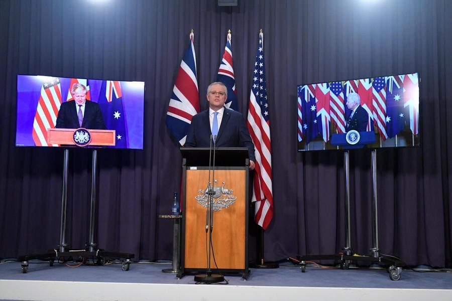 """Aukus, ira della Francia: """"Ladoppiezza di Washingtone Londra peserà sul futuro della Nato"""""""