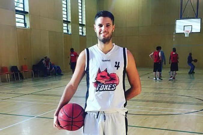 Basket, il masese Simone Mandas debutta con il Crystal Palace