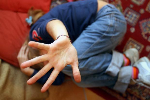 Abusi sessuali su sei minori, in manette unsettantenne