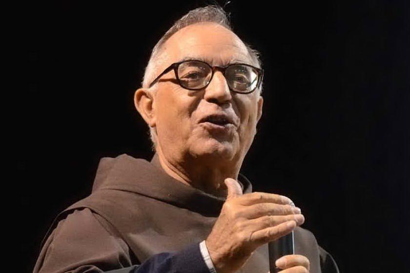 Covid, Padre Morittu dimesso nel giorno dell' onorificenza di Mattarella