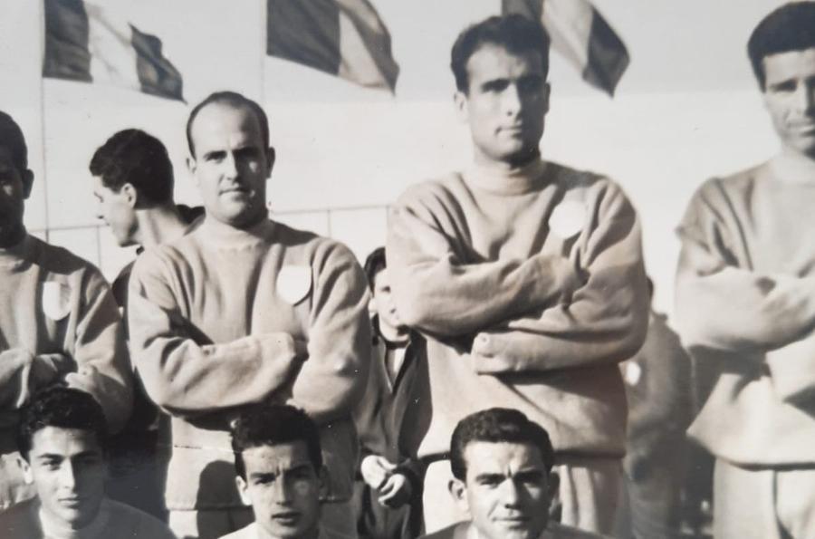 Nella nazionale Olimpica 1960, Piero Paoli a sinistra, a fianco Mario Pisano (foto concessa dall'Ilvamaddalena calcio)