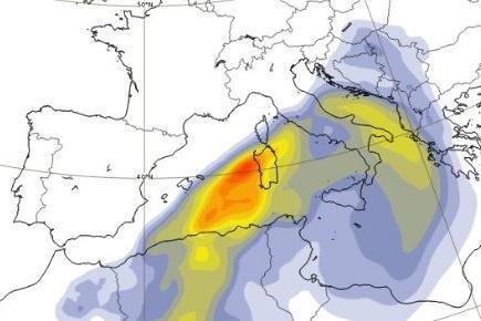 Una nube di sabbia del Sahara incombe sulla Sardegna: le immagini del satellite