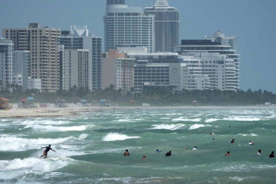 L'uragano Isaias colpisce anche la Florida