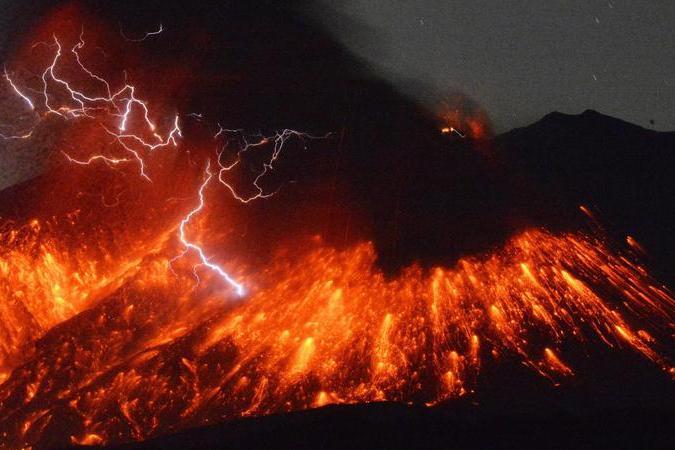 Erutta il vulcano Sakurajima, allarme in alcune città