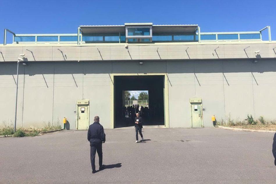 Agente penitenziario di Massama ricoverato dopo il vaccino AstraZeneca