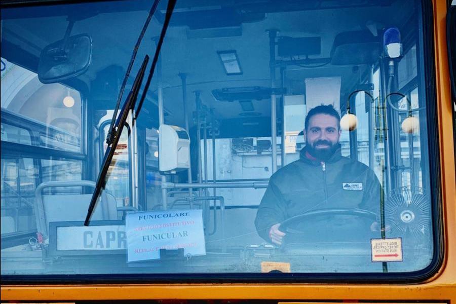 Emanuele Melillo, l'autista morto nel grave incidente a Capri (foto Facebook)