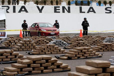 Sequestro record di cocaina, 9,6 tonnellate destinate al mercato Usa