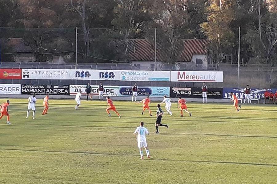 """L'Olbia debutta col botto: al """"Nespoli"""" la Pistoiese è piegata 3-2"""
