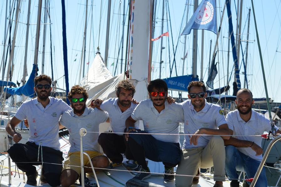 L'Alfa Sailing Team a bordo del G34 (foto di Giada Sanseverino)