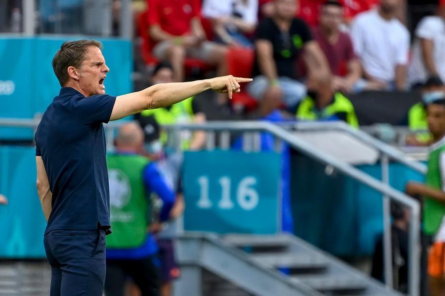 """Olanda out, la stampa si scaglia contro il ct: """"Paghiamo la stupidità di De Boer"""""""