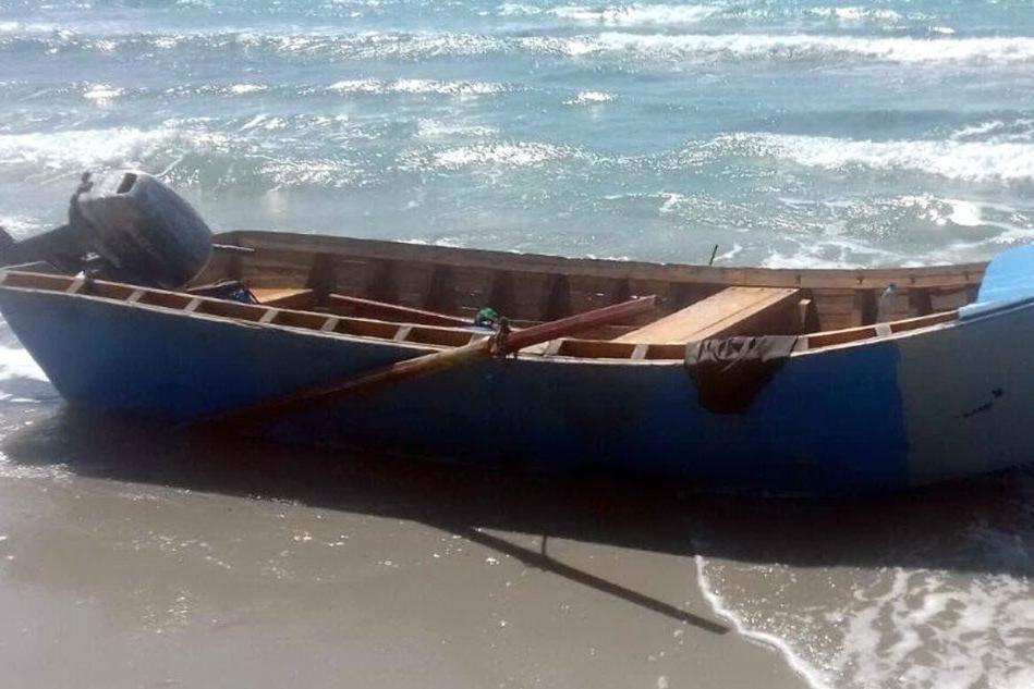 Un barchino (Ansa)