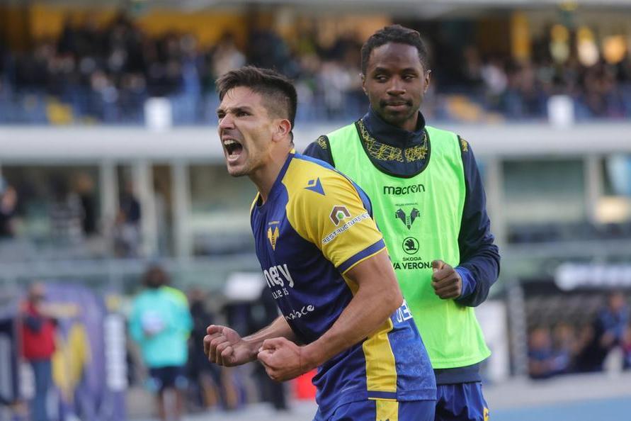 Roma-Napoli e Inter-Juve finiscono in parità, Cholito affonda la Lazio con 4 gol