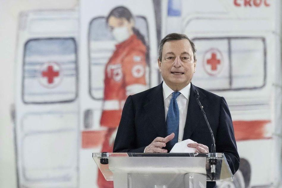 """Draghi: """"Smart working e baby-sitting, chissà perché in inglese"""""""