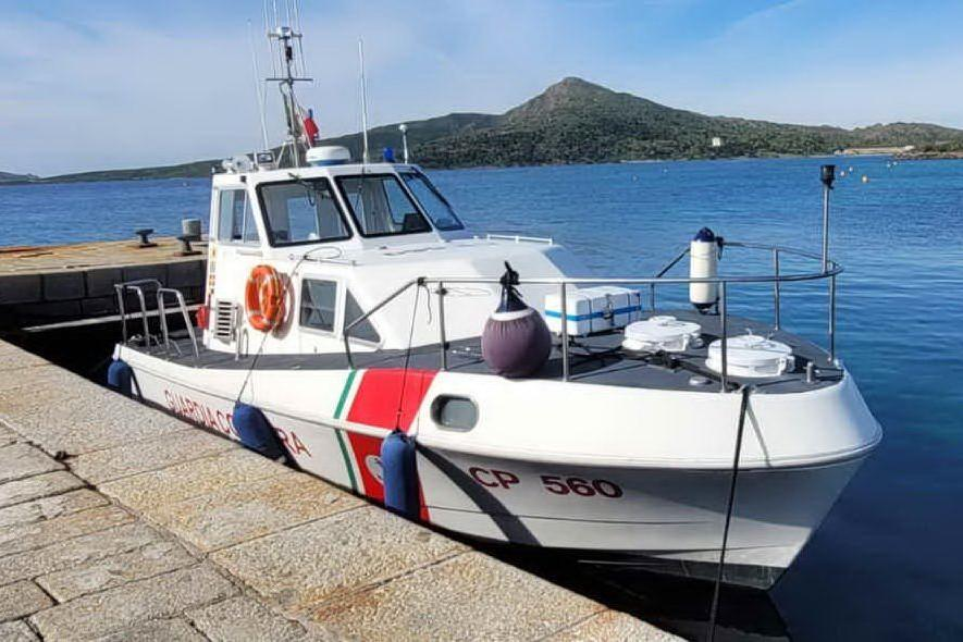 Asinara, pescano in area protetta: denunciati due pescatori