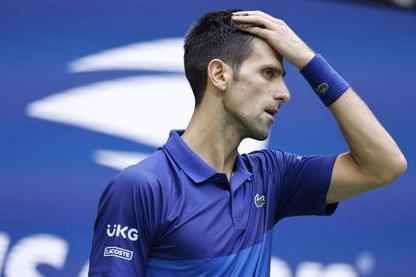 Australian Open, scontro sull'obbligo vaccinale: Djokovic verso il forfait