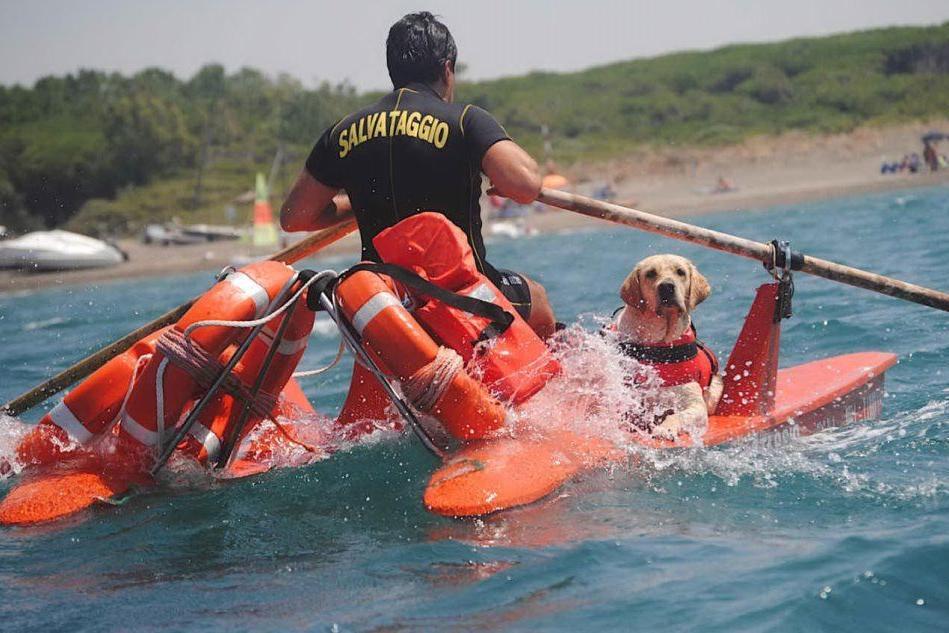 Funtanazza, salvata dal mare in burrasca una famiglia di quattro persone